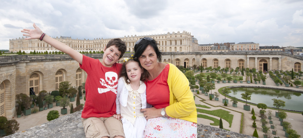 kids and mom at orangerie