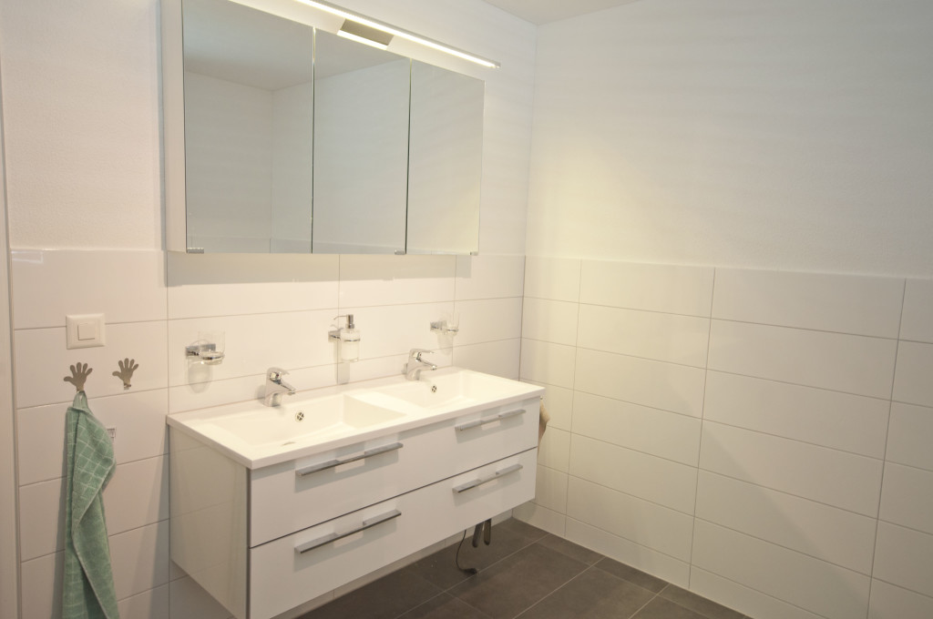 bathroom~double vanity
