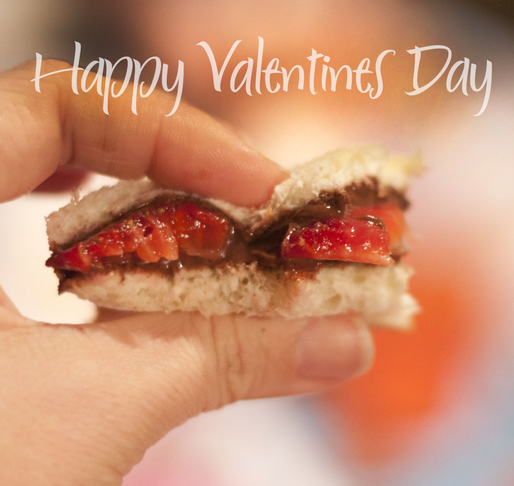 nutella strawberry sandwich