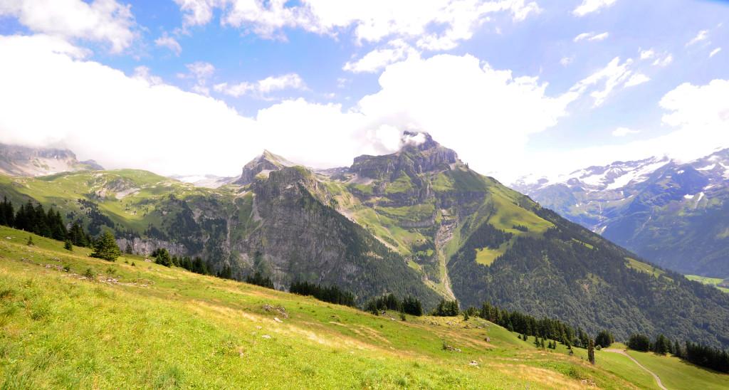 mountains views around bruni